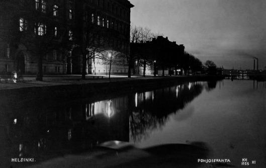 1925 . Öinen näkymä Pohjoisranta 10 ja 12 kohdalta.