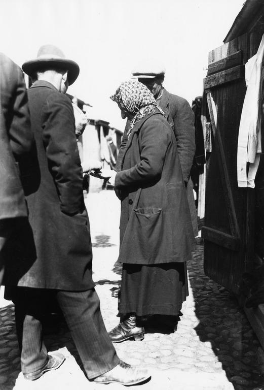 1920 luku . Narinkka, Simonkatu.